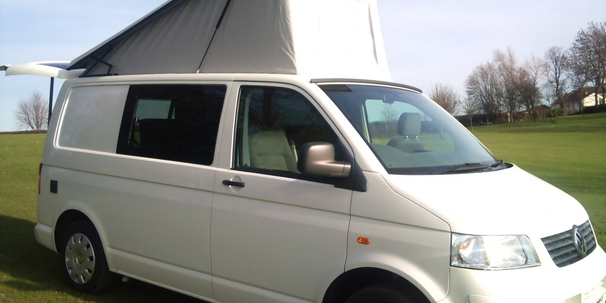 vw-campervan-elevating-roof_8429982230_o